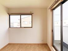 菊川市下平川の戸建て中古物件2階