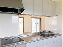 菊川市下平川の戸建て物件、キッチンです。