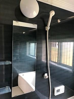 菊川市下平川の戸建て中古物件の浴室です。